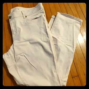 Sonoma Life Style Straight Mid Rise White Jeans